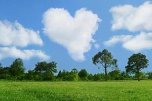 ハート型の雲・アイキャッチ画像
